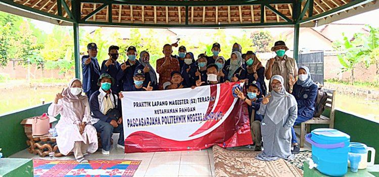 Kegiatan diskusi di Integrated Mulya Farm